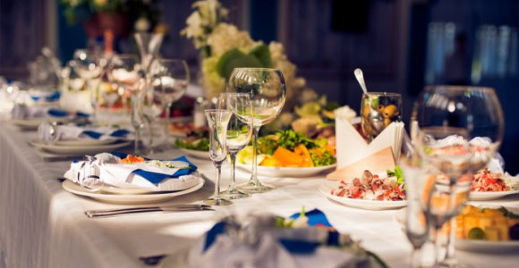 Скидка от 55% на банкет для 15, 20 или 25 человек в ресторане
